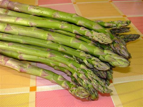 cucinare asparagi e uova uova con asparagi ricetta