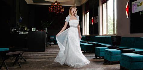Hochzeitskleider Schlicht by Hochzeitskleid Schlicht Leichtes Corsagen Brautkleid In T 252 Ll