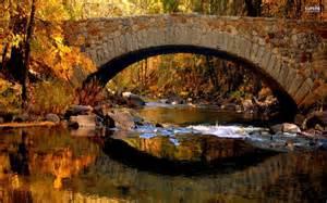 In Fall stone bridge in the fall wallpaper
