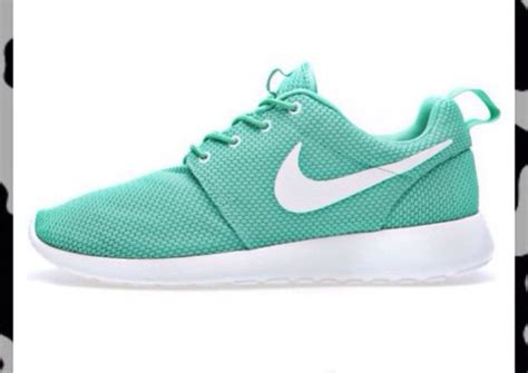 mint green nike running shoes shoes mint nike running shoes mint green shoes wheretoget