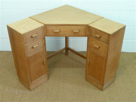 Antiques Atlas Heal S Oak Corner Desk Antique Corner Desks