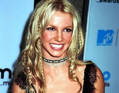 hairstyles of the 2000s 10 hairstyles from the early 2000s that we re glad are over