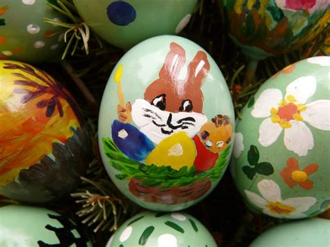 painting easter eggs free stock photo easter egg easter paint free image