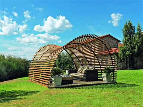 Pergola Metall Freistehend by Holz Pergola Im Garten 17 Moderne Beispiele