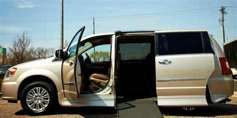 auto con pedana per disabili agevolazioni auto per disabili quot legge 104 quot e assicurazione