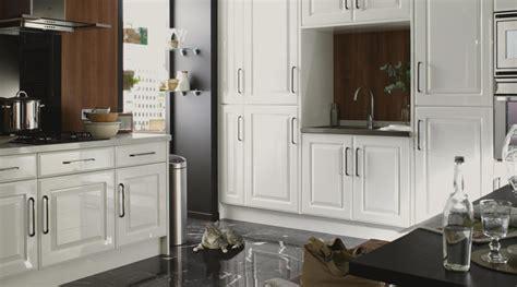hadleigh white gloss shaker style kitchen