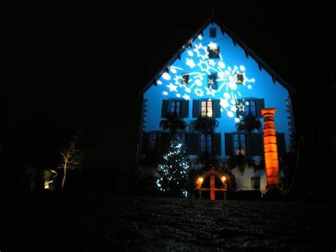 Lumiere De Noel Exterieur Maison by Decoration De Noel Exterieur Projecteur