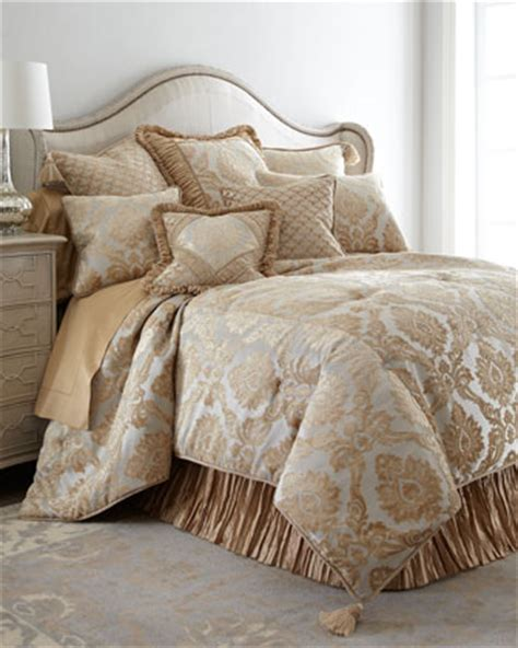 austin horn bedding horchow bedding and bath sale save 25 on duvet covers quilts bath accessories and more