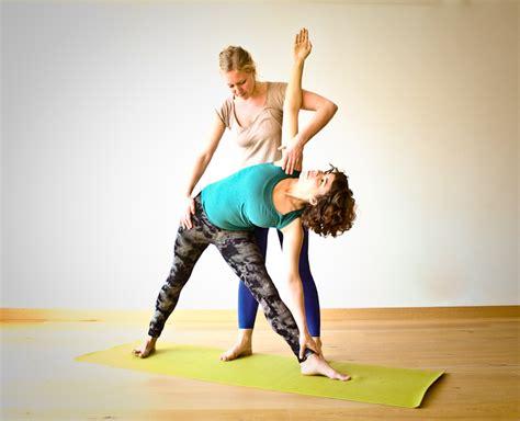 ajustes de yoga clases particulares en yogaroom yogaroom 183 vinyasa yoga 183 barcelona