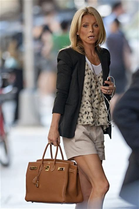 does kelly ripa wear ryka hairstylegalleries com 1000 images about kelly on pinterest blue skinny jeans