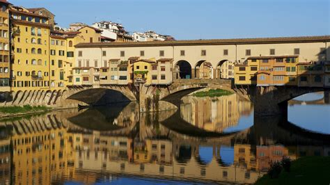houses over water on ponte vecchio florence italy stock photo royalty free image 74147998 alamy wallpaper ponte vecchio florence italy houses river