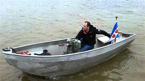 aluminium boot met motor hatz single cylinder diesel in aluminium boat youtube