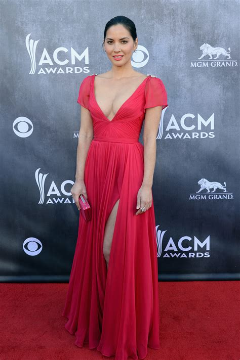 Which Countries Make The Best Carpets - acm awards carpet arrivals best worst dressed