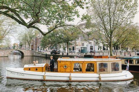 boten in amsterdam huur 12 persoons salonboot marie zurlohe via boot huren