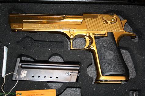 wallpaper gun gold desert eagle gold wallpaper guns weapons desert eagle