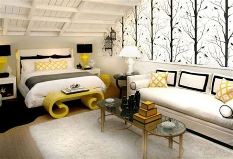 black white gray and yellow bedroom arredare una casa con stile in 5 semplici passi