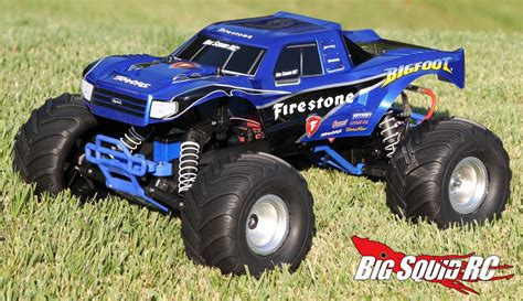 biggest bigfoot monster truck unboxing traxxas bigfoot monster truck 171 big squid rc