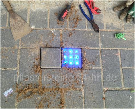 beleuchtung einfahrt pflaster beleuchtung blau f 252 r pflastersteine und gartengestaltung