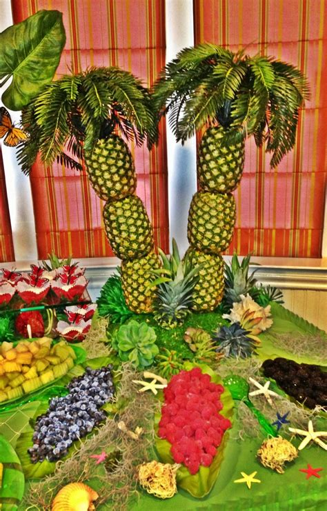 Pineapple Tree Decoration by 7 Best Images About Hawaiian Decorations On