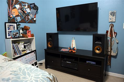 bedroom stereo my 15yr old daughter s 1st stereo system 2 channel home