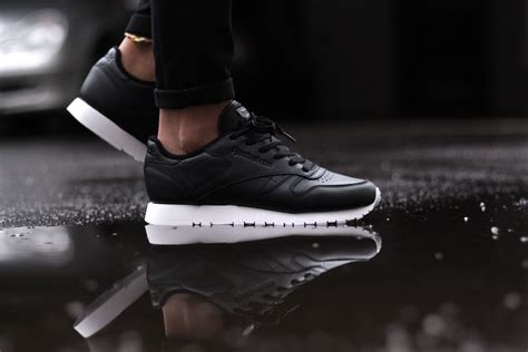 Classic Leather by Reebok Classic Leather Pearlized Black Sapato Sneakerstore