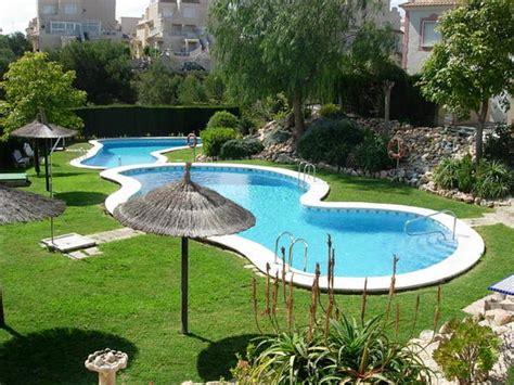 maison meubl 233 e de 3 chambres avec jardin piscine