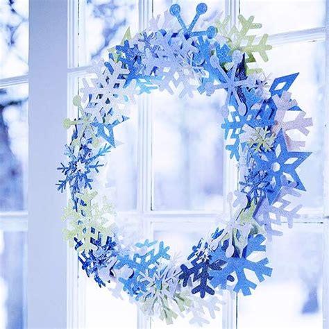 Fensterdeko Weihnachten Kranz by Schneeflocken Basteln Und Die Wohnung Zu Weihnachten Sch 246 N