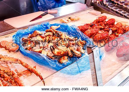 Seafood Shelf fisherman with fish crab lobster shrimp in deira fish