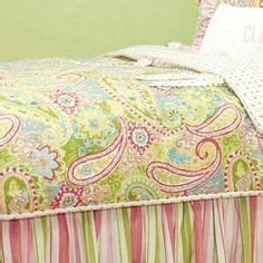 C F Bright Paisley Quilt Collection by 1000 Ideas About Paisley Bedding On Paisley
