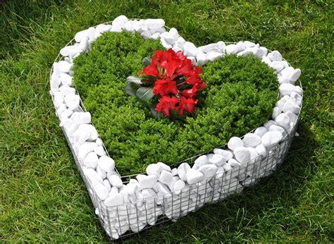 garten blumen pflanzen kunstrasen garten - Blumen Pflanzen Im Garten