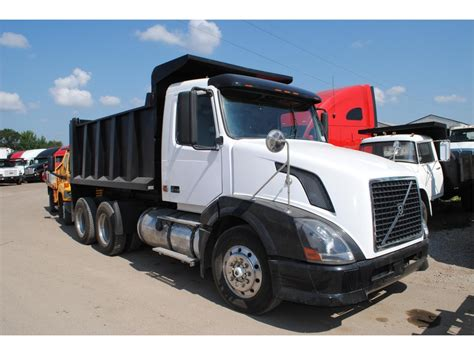 2007 volvo truck 2007 volvo dump trucks for sale used trucks on buysellsearch