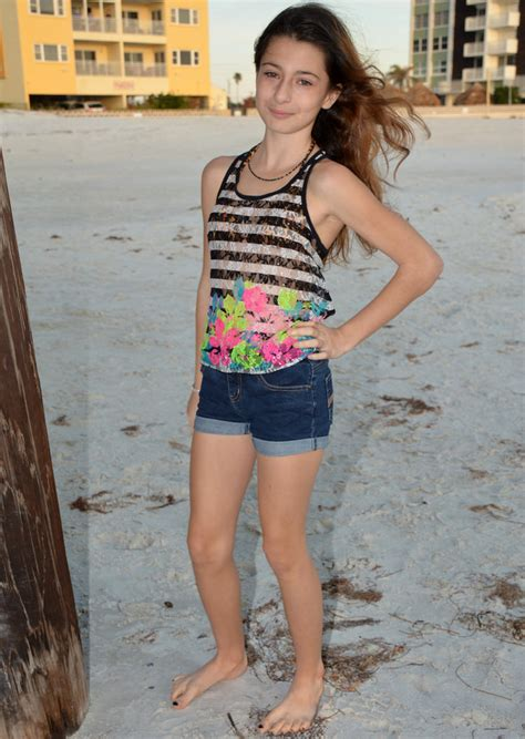 barefoot preteen girls the world s best photos of girl and jeanshorts flickr