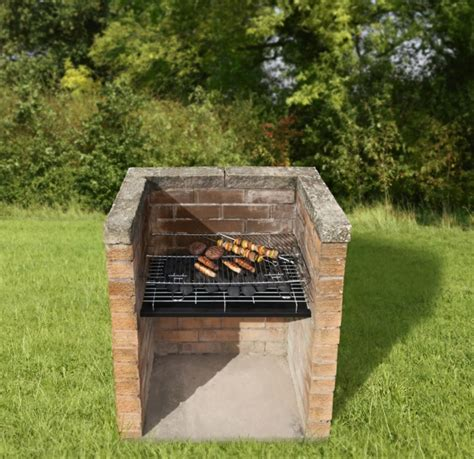 feld stein patio gemauerter grill wollen sie diesen selber bauen