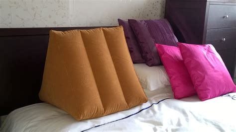 sitting pillows for bed amazing pillows for sitting up in bed homesfeed