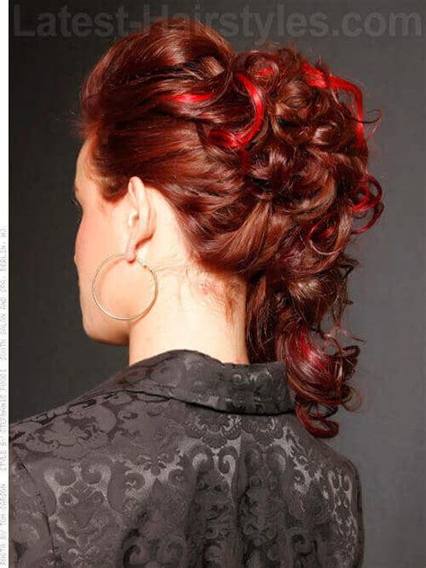 hairstyles that show off highlights 36 curly updos for curly hair see these cute ideas for 2018