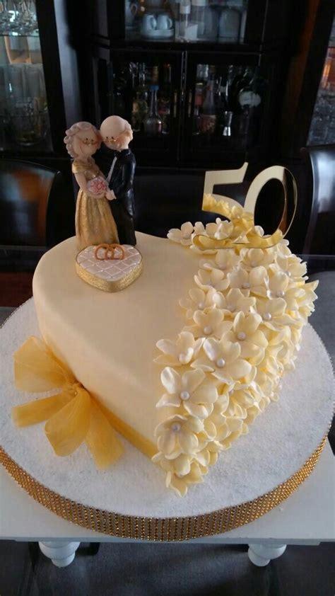 Best 25  Novelty cakes ideas on Pinterest   Elephant cakes