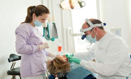 quanto guadagna un assistente alla poltrona lavoro per dentisti e assistenti centinaia di posti in