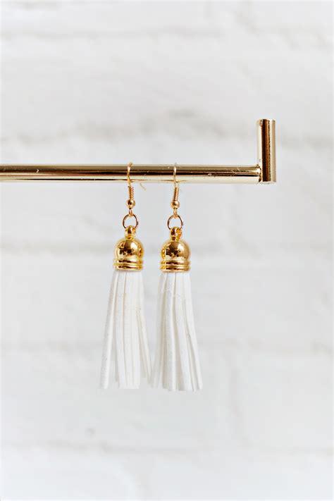 Tassel White tassel earrings white shop