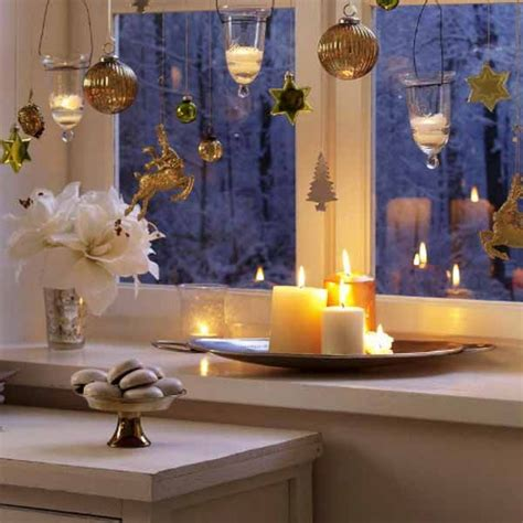 20 beautiful window sill decorating ideas for christmas