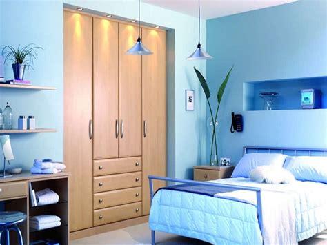 meraviglioso Colori Pareti Per Camere Da Letto #1: colori-per-pareti-idea-azzurro-camera-letto.jpg