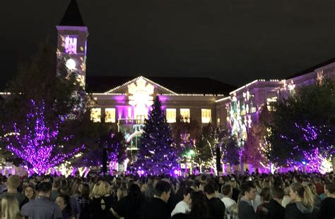 tcu tree lighting 2017 tcu rings in the holiday season with its annual christmas
