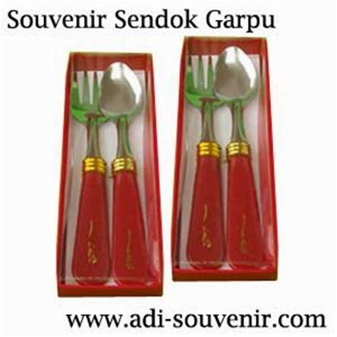 Souvenir Sendok Garpu Plastik souvenir sendok garpu adi souvenir