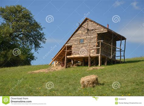 cottage stock photo image 33465670
