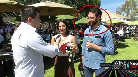 preguntas incomodas para fiestas entrevistas incomodas trolleando gente en wine colours