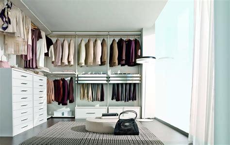 cabina armadio con finestra cabine armadio soluzione trendy cose di casa
