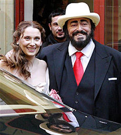 nicoletta mantovani biografia pavarotti accordo sull eredit 224 pace tra la vedova e le