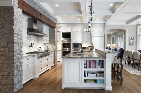 Northwoods   Traditional   Kitchen   Chicago   by Red Rock Custom Homes, Inc.