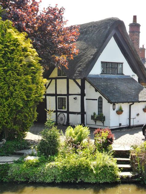 Cottages Staffordshire by Thatched Cottage Alrewas Lichfield Staffordshire