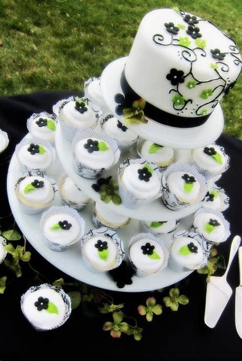 Best 25  Wedding cake flavors ideas on Pinterest   Wedding