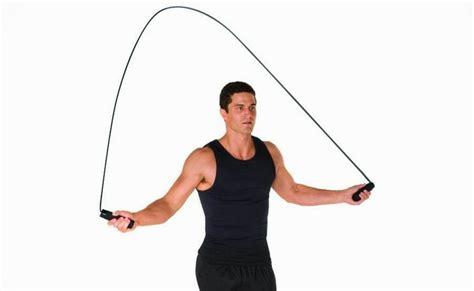 Lompat Tali 15 olahraga ringan paling efektif untuk mengecilkan perut